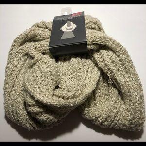 Covington loop scarf